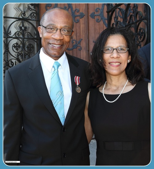 Photo of Hamlin and Cynthia with Queens Jubilee Medal